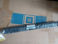 Opel Astra F Cabrio Left Weatherstrip Folding Roog Lower  90486797 GM