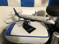 Embraer Lineage 1000 New Excecutive Paint Design Desktop Aircraft Model (1/72)