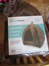 Rich brown pet house pyramid pop up