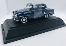 1 43 toyopet crown rs blue