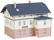 130457 town hall school ho scale