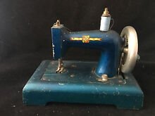 Machine to sew child toy old kipic