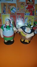 N 19 2 figurines astérix mc do