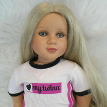 Doll 2006 poseable 23 blonde long