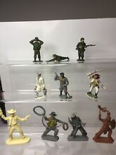 Type lone star cowboys soldiers etc