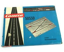 50530 1970s slot car overtaking