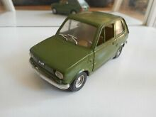 Fiat 126 in green on 1 25