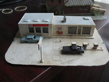 N scale exxon gas station building