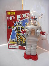 Tole tin toy space robby serie