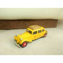 Citroen traction 11b taxi jaune 1