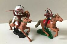 Rare swoppets 2 figurines indiens