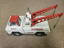 Tow truck white