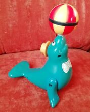 Robbe mit ball 1985
