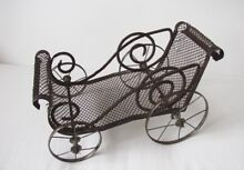Metal and wire doll buggy carriage