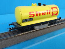 252 01 shell cleaning car