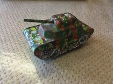 Rare and tinplate tank toy unusual