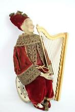German leonhard harp player