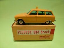 Peugeot 304 break yellow in box