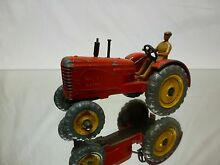 Dinky toys 300 tractor massey red