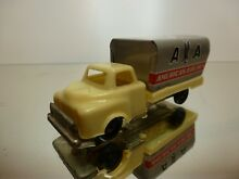 Tin toy truck american airlines l10