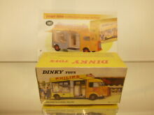 Dinky toys 587 citroen type h