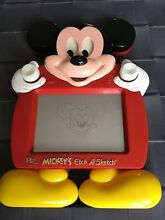 Jouet mickey mouse etch a sketch