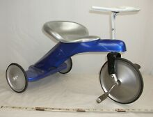 Streamline rocket pedal tricycle