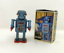 Nice nib robot r 35 wind up tin toy