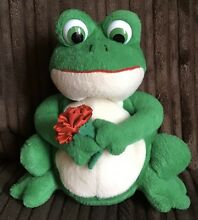 Frolic frog flowers green soft