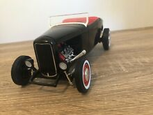 1932 ford roadster 1 18 scale