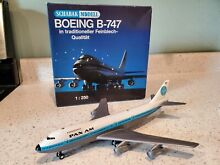1 250 scale diecast model airplane