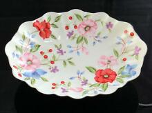 Floral oval scalloped 11 1 4