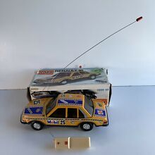 Renault 18 tin toy box car friction