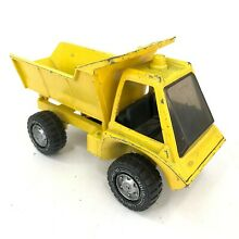 Hubley 1975 yellow dump truck toy