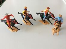 Mounted cowboys x 4 swoppets