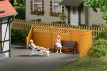 Auhagen 41648 privacy fence posts