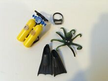Lot action figures outfit mego sub