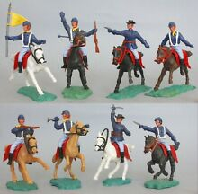 A set plastic mounted 7th cavalry
