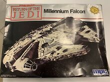 Millennium falcon star wars da