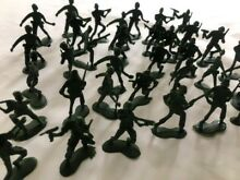 Green plastic military toy soldiers