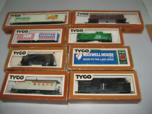 Ho scale mixed cars maxwell house