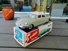 China tin toy friction citroen ds
