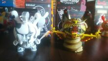 Lot x2 figurines dunny series
