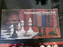 1974 e s lowe tournament chess set