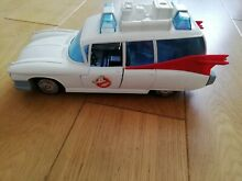 The real ghostbusters ecto 1 action