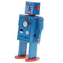 Wind up walking lilliput robot
