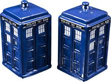 Doctor who tardis salt and pepper