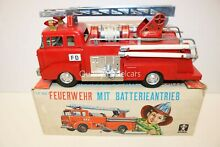 If 821 ford tinplate fire engine