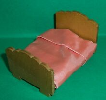 Dolls house kensalcraft 1940 s bed