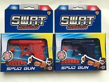 Retro metal die cast water pistol